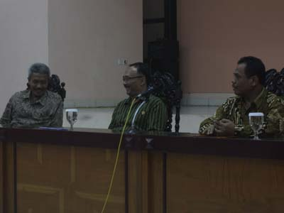 Ki Drs. H. Pardimin, M. Pd., Ki Dr. Sahedy Noor SK, MM., dan Ki Drs. Tarto Sentono, S.T, M. Pd. ,