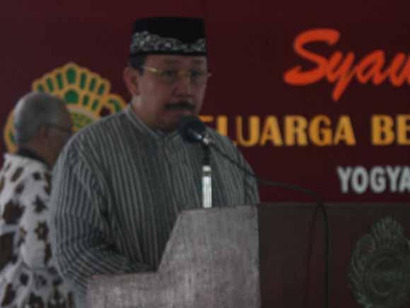 Ki Tyasno Sudarto saat memberikan sambutan pada acara Syawalan di Pendapa Agung Tamansiswa. Foto: Ahmad Mustaqim