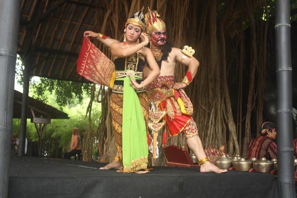 Sendra Tari Ramayana
