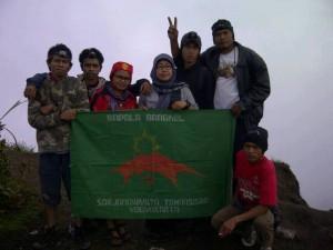 Anggota Mapala Bangkel foto bersama . Foto: istimewa