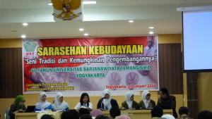 Siswa dari beberapa SMA/SMK Jogja, menyampaikan materi sarasehan budaya. PENDAPA/Peka Tariska.