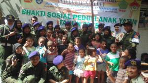 Foto Bersama Menwa Dewantara UST dengn Keluarga Panti Asuhan Rumah Buah Hati, Pada Selasa (2/6/15). Foto: Agung, Menwa, UST.